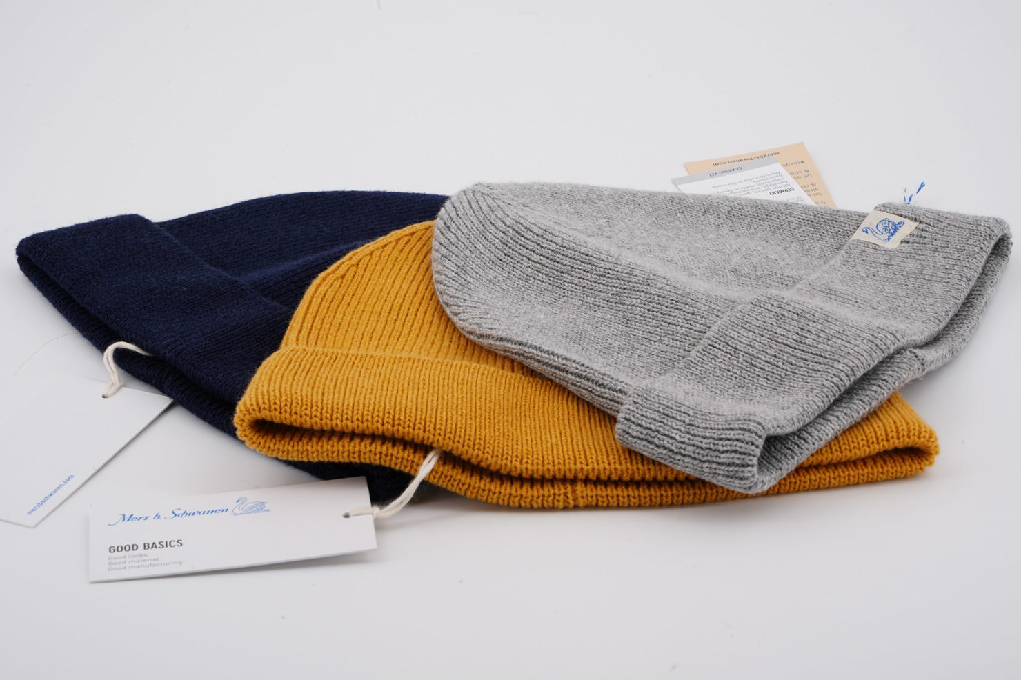 BEANIE CAP DEEP BLUE MERZ B SCHWANEN THREE COLOURS