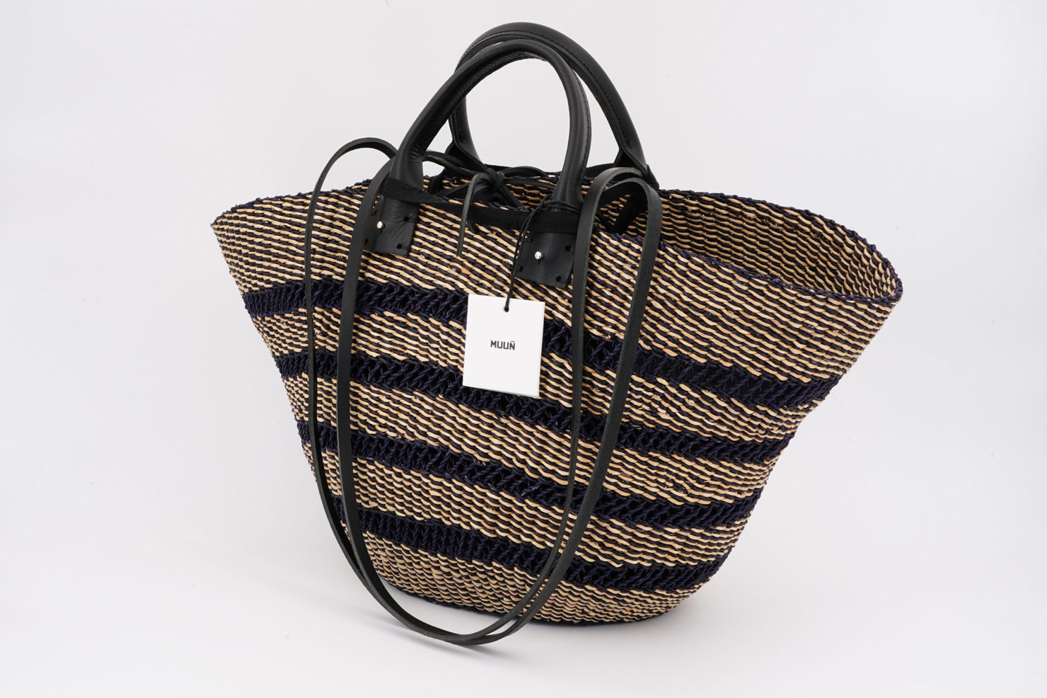LAUREN FLOR STRAW BAG WITH REMOVABLE POUCH MUUN