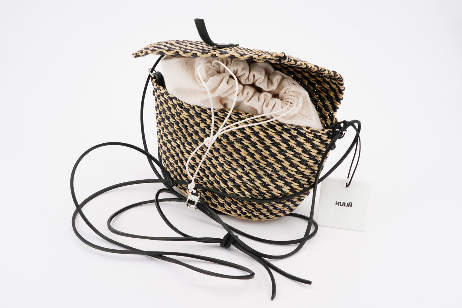 MUUN FILLE VICHY COTTON STRAW BAG WITH REMOVABLE POUCH OPEN