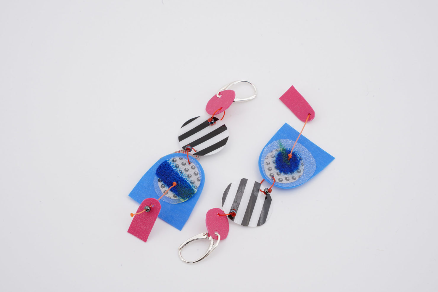 HANDMADE EARRINGS WITH CUTTED RECYCLED PLASTIC-DOLL IS COOL