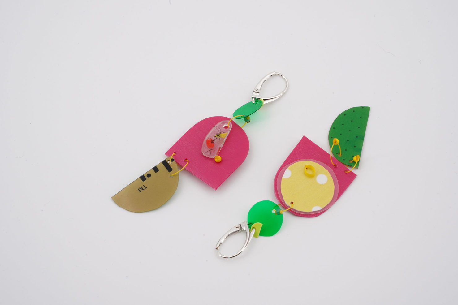 HANDMADE EARRINGS WITH CUTTED RECYCLED PLASTIC-PARROTS