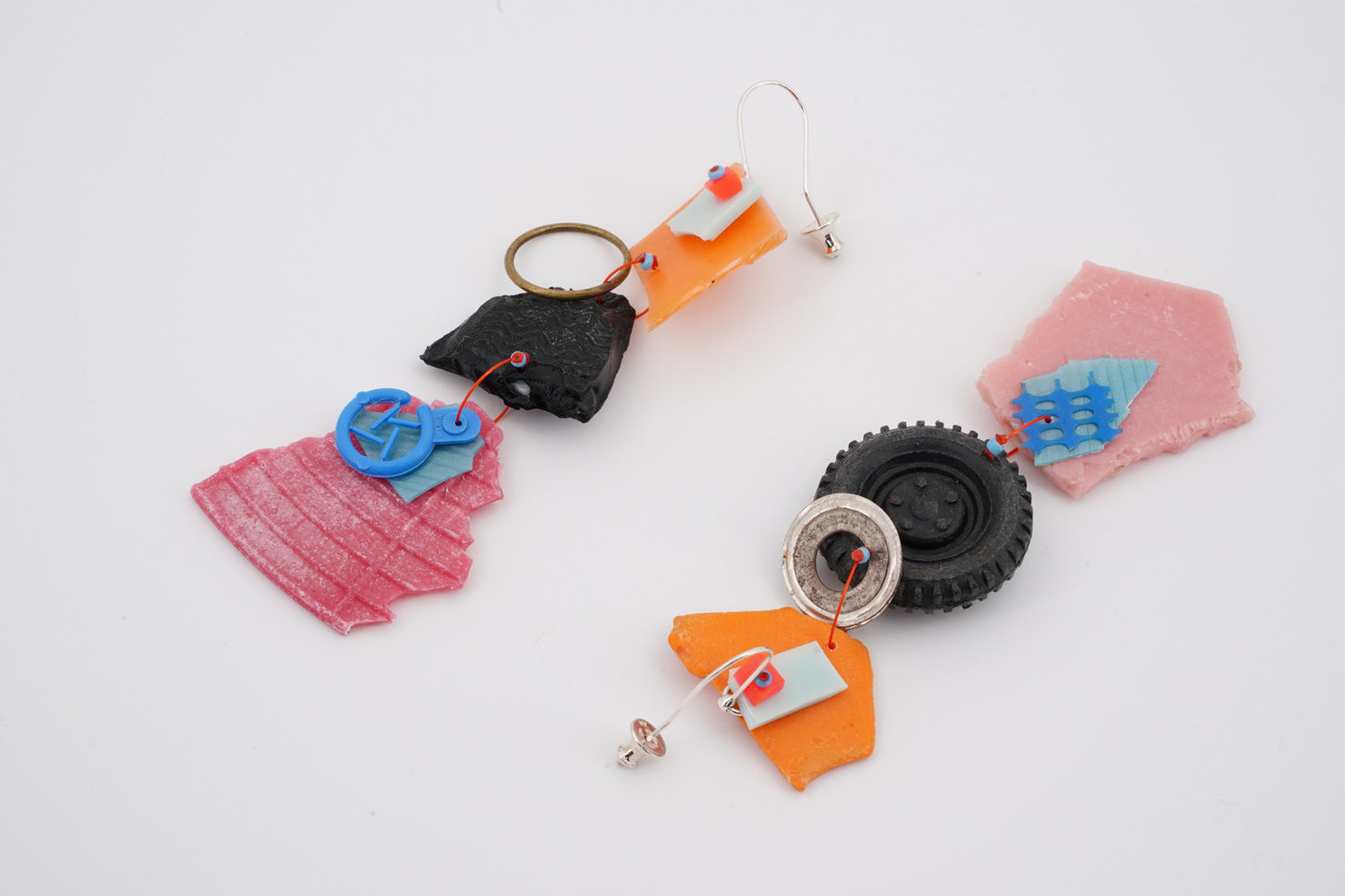 HANDMADE EARRINGS WITH ORIGINAL RECYCLED PLASTIC-MY LITTLE WHEEL