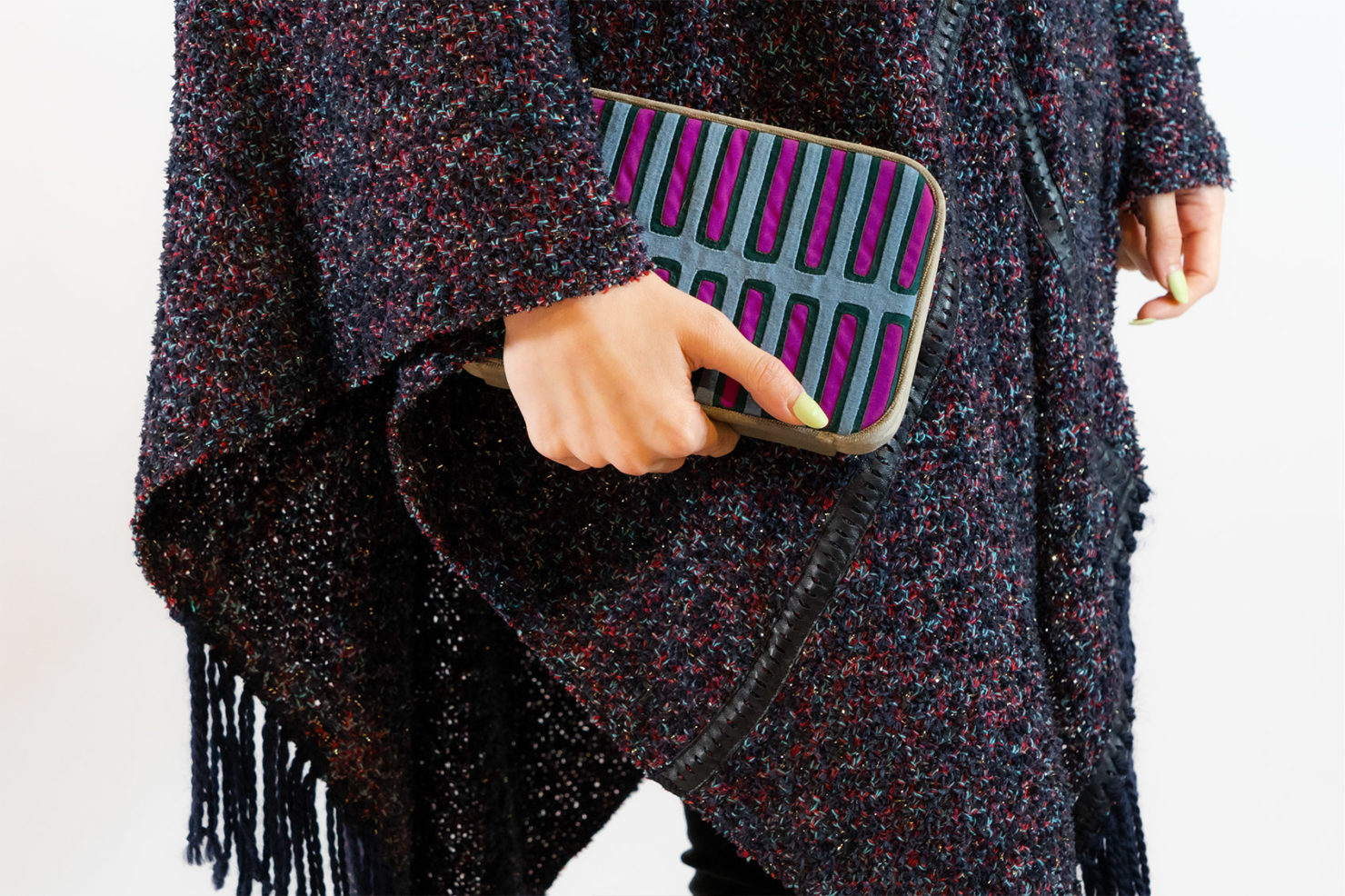 VARIATIONS IN BLUE BOX CLUTCH CLUTCH – MOLA SASA
