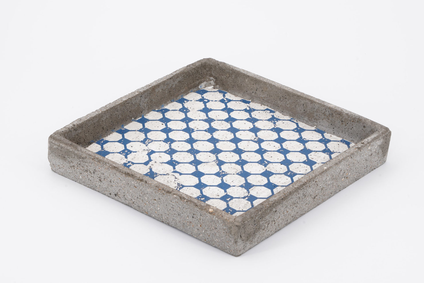 TRAY BLUE CONCRETE 20X20 CM - BY ROOM