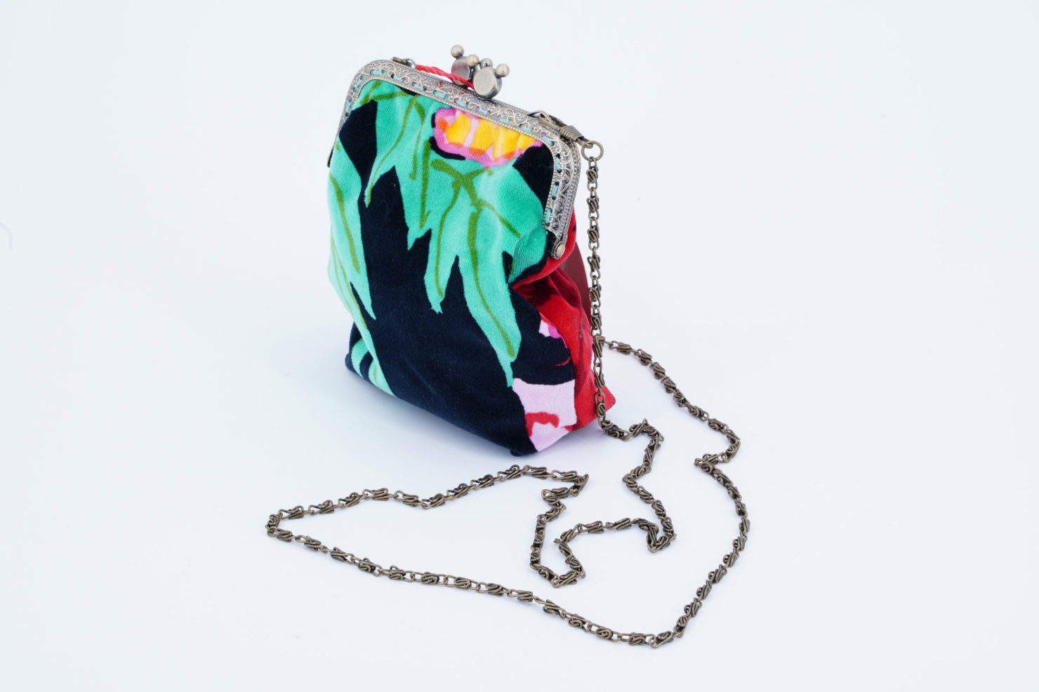 KM 0 HAND MADE CLUTCH IN VINTAGE FLOREAL VELVET M GREEN LEAVES
