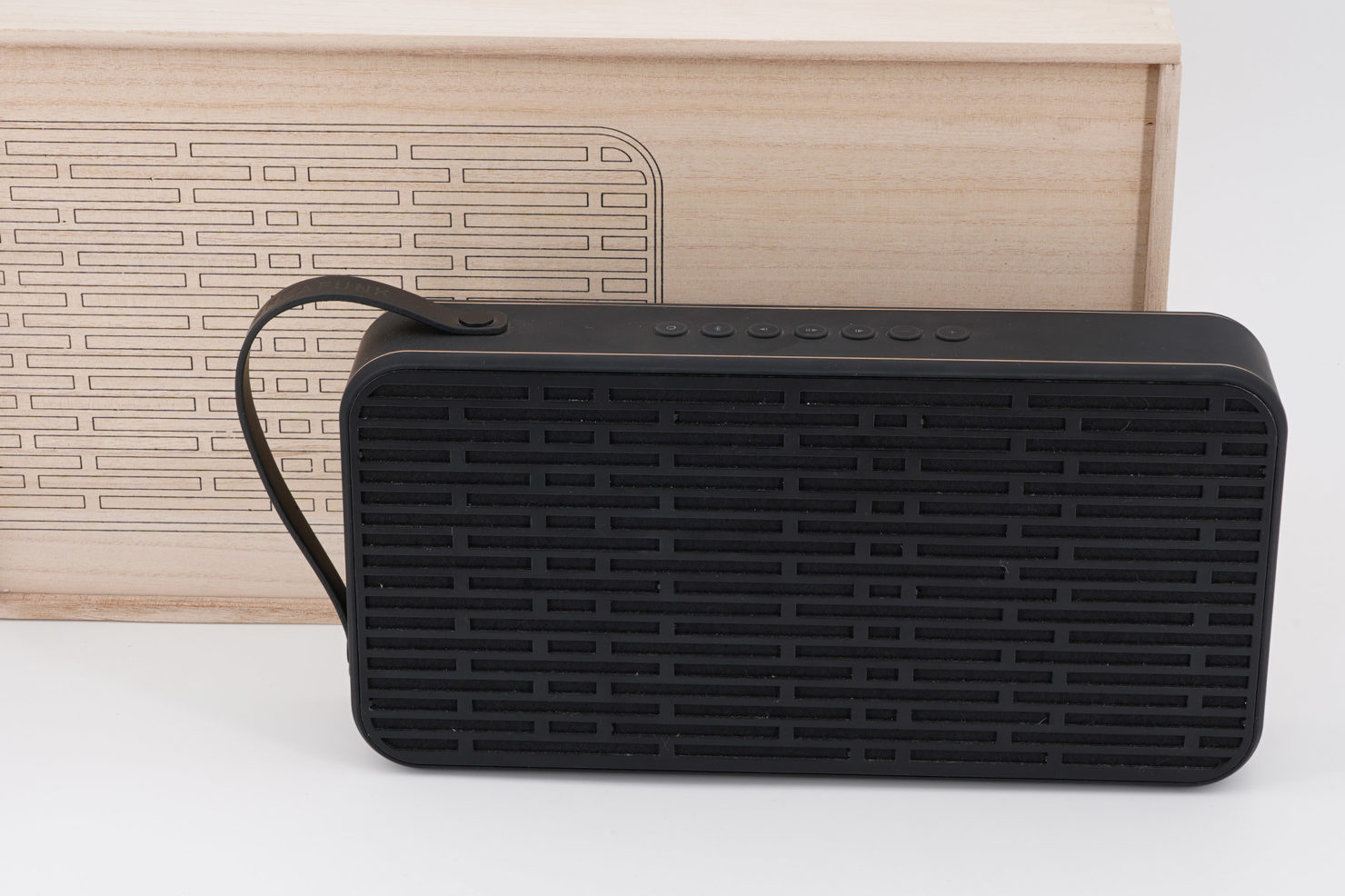 SOUND BLUETOOTH SPEAKER + POWER BANK 12/18 BLACK - KREAFUNK