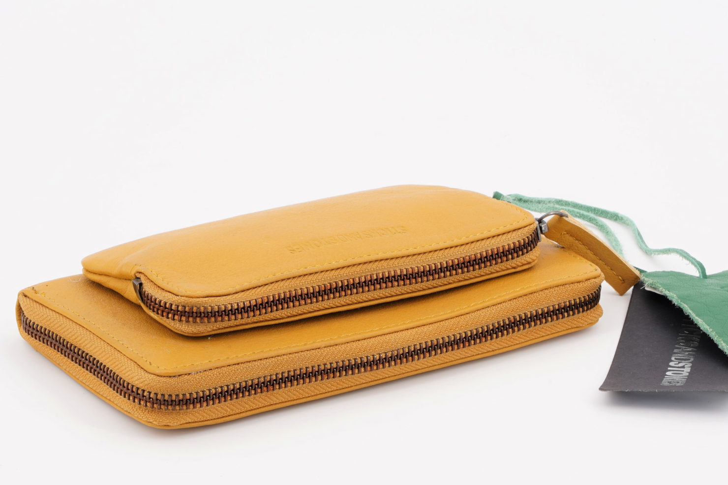 CALIFORNIA WALLET - BUFF WASHED - STICKSANDSTONES HONEY YELLOW