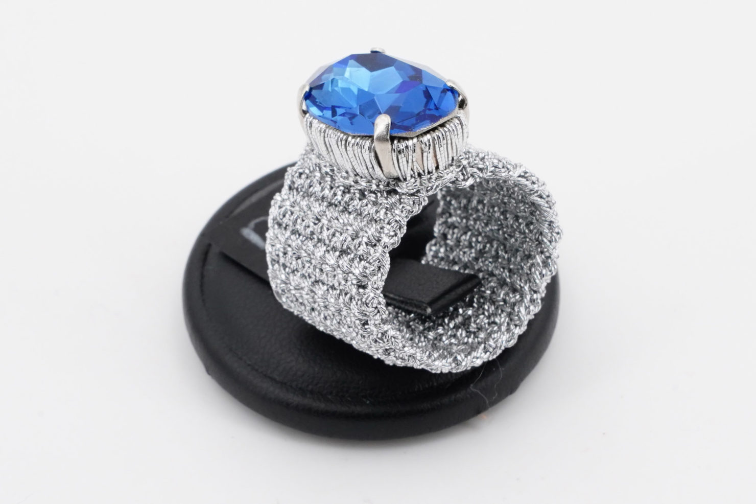 PLATINUM BAND + BLUE LIZ OVAL CRISTAL RING M - TMD BIJOUX