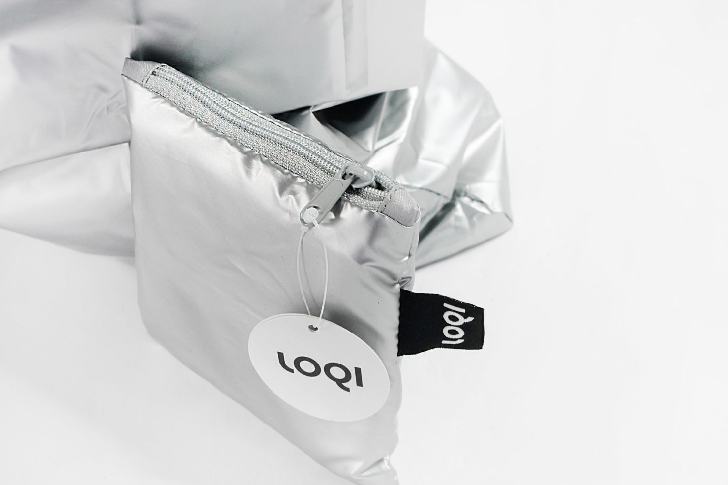 METALLIC MATT SILVER BAG - LOQI