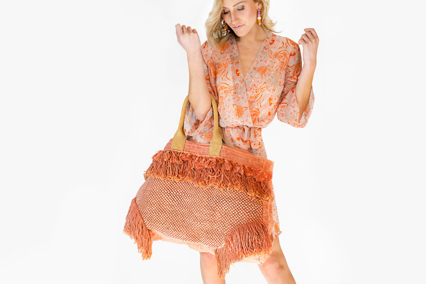 BAG BIG ORANGE CHINDI WITH FRINGES AND SUEDE HANDLES - BY ROOM