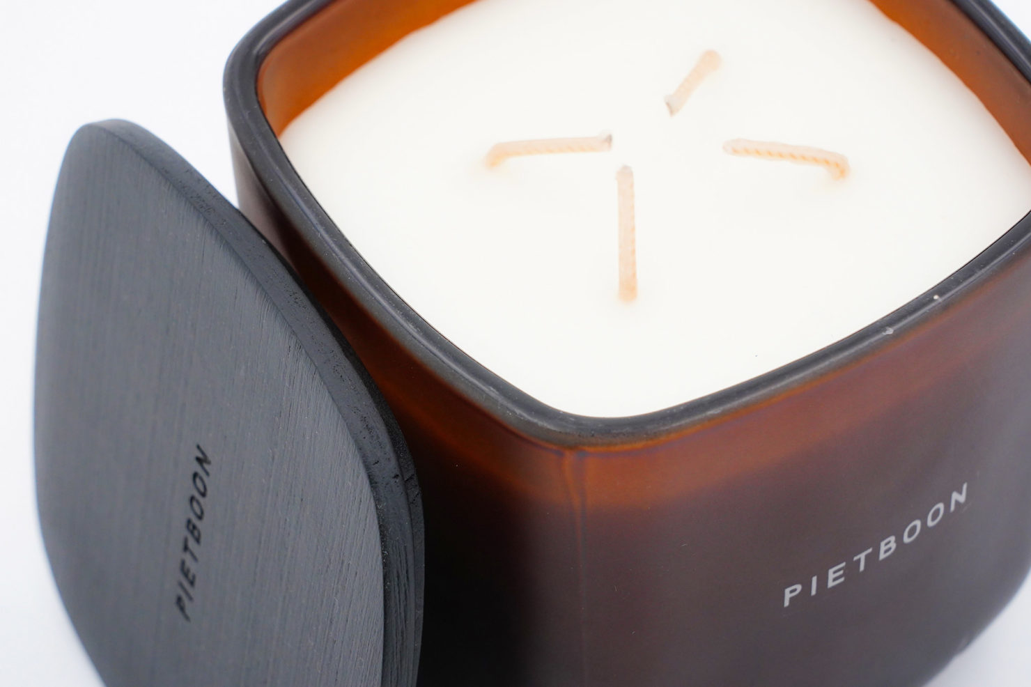 BROWN PARFUMED CANDLE - SERAX