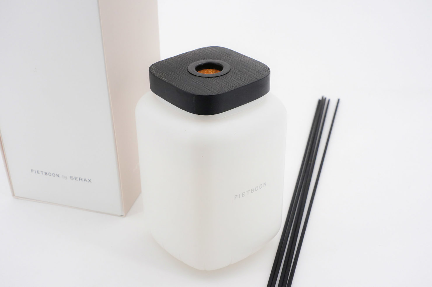 ROOM FRAGRANCE DIFFUSER 750 ML WHITE- SERAX