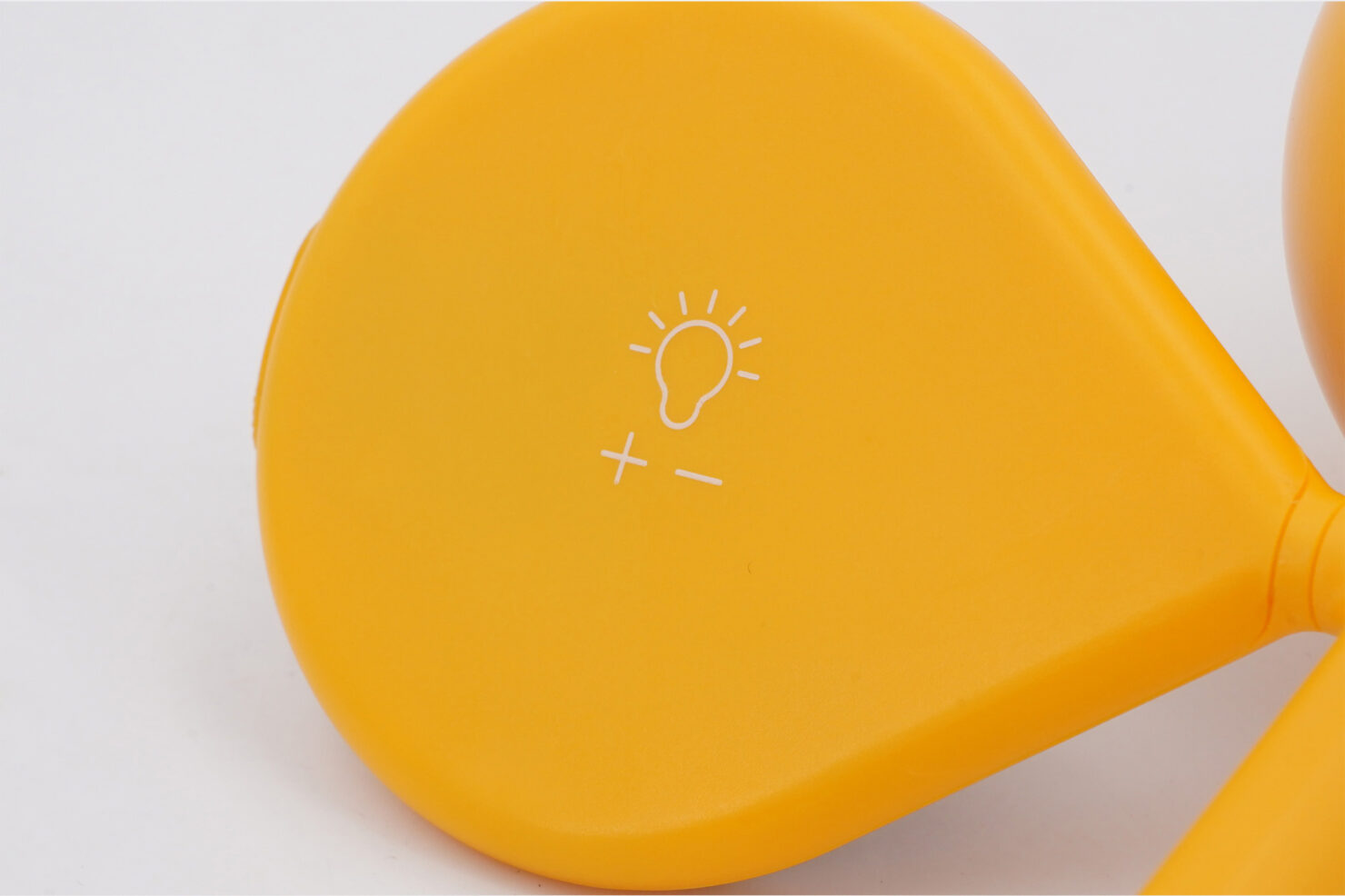 LX CLOVER GARD YELLOW LAMP - LEXON