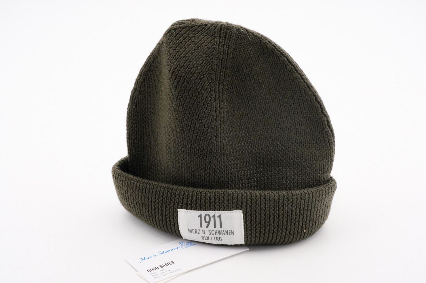 GOOD TRAINIG BEANIE WITH PATCH - MERZ B. SCHWANEN