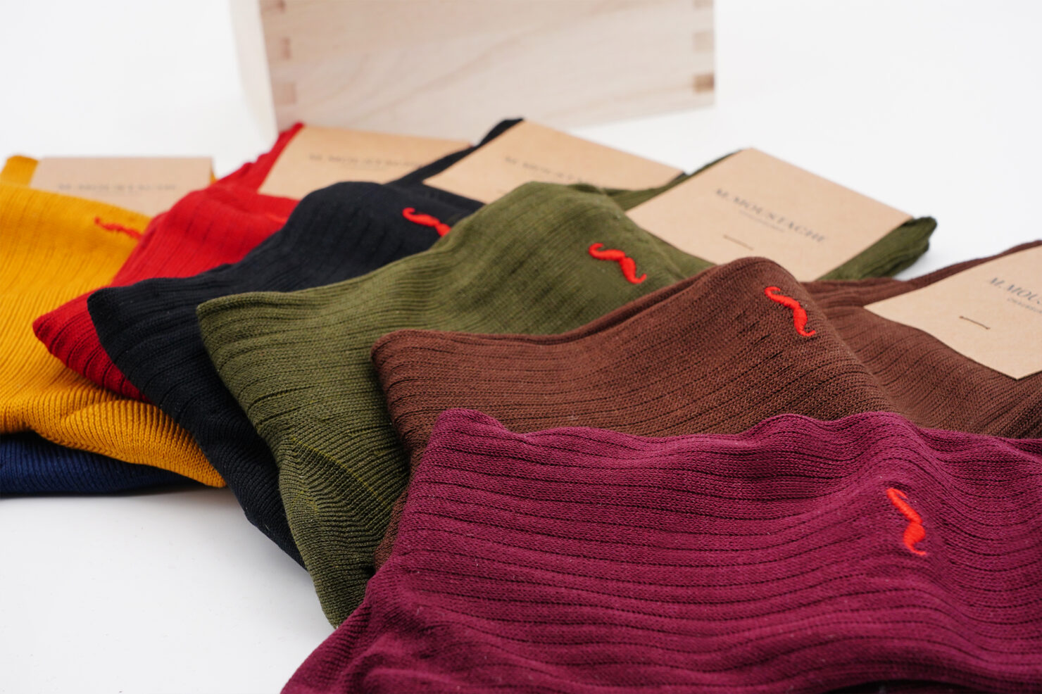 WEEKLY MULTICOLOR SOCKS BOX 1- - M. MOUSTACHE