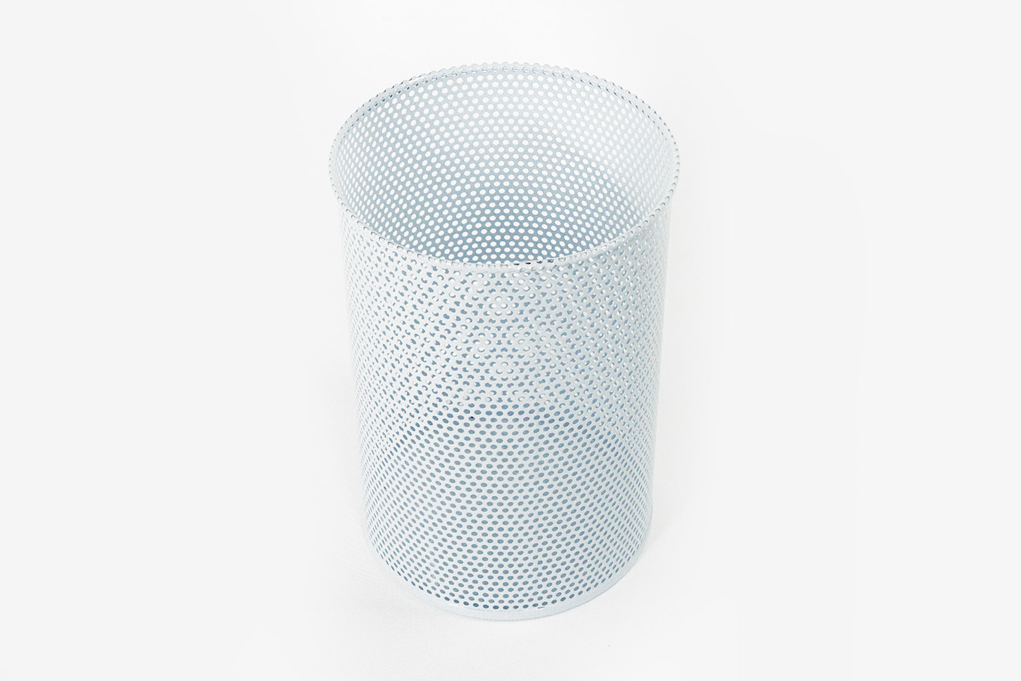 PERFORATED BIN M WHITE-HAY